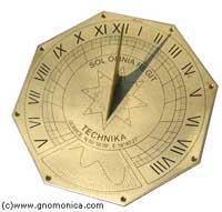 Horyzontalny zegar słoneczny wykonany przez Gnomonica.com
